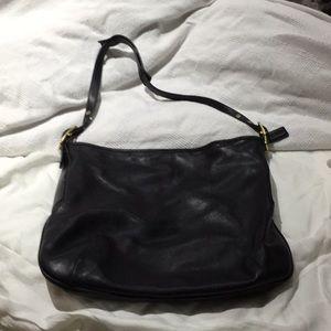 Coach black shoulder bag vintage and beautiful